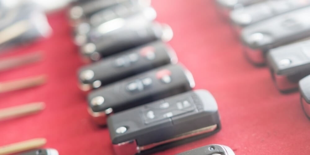 מנעולן לרכב לכל סוגי הרכב – דני המנעולן
